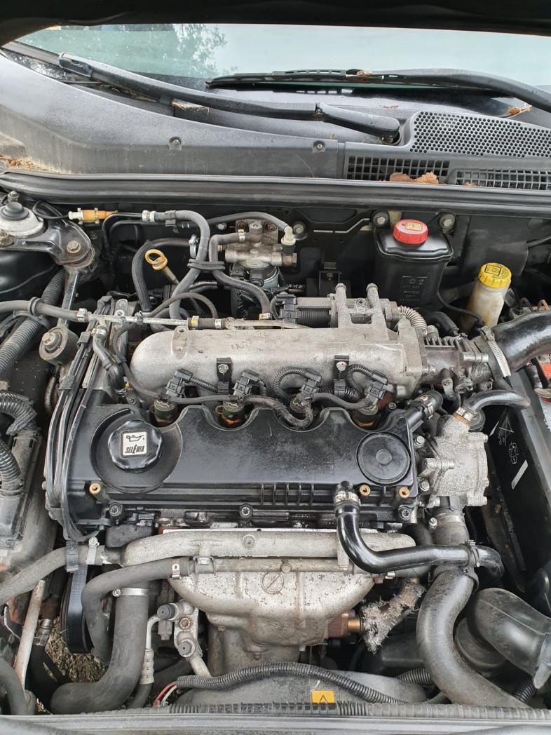 Alfa Romeo 147 GT 1.9 Jtd podstawa czujnik filtra paliwa Warto !!